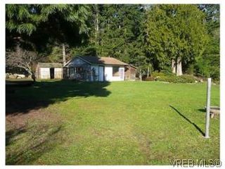 Photo 2: 3218 Clam Bay Rd in PENDER ISLAND: GI Pender Island House for sale (Gulf Islands)  : MLS®# 506053