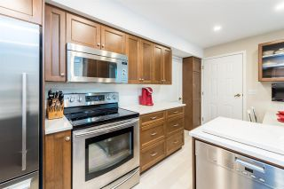 Photo 9: 9284 GOLDHURST Terrace in Burnaby: Forest Hills BN Townhouse for sale (Burnaby North)  : MLS®# R2347920