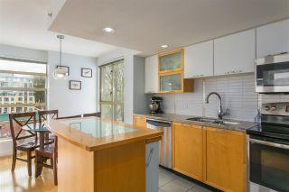 """Photo 6: 606 2137 W 10TH Avenue in Vancouver: Kitsilano Condo for sale in """"""""I"""""""" (Vancouver West)  : MLS®# R2159402"""