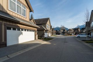 "Photo 2: 19 40750 TANTALUS Road in Squamish: Tantalus Townhouse for sale in ""MEIGHAN CREEK"" : MLS®# R2038882"
