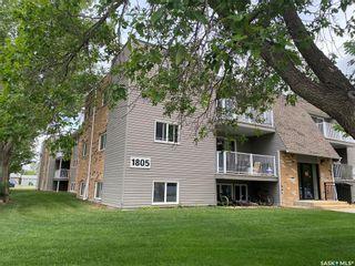 Photo 1: 22 Units 1805 Coteau Avenue in Weyburn: Multi-Family for sale : MLS®# SK854835