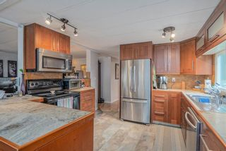 """Photo 7: 1 6280 KING GEORGE Boulevard in Surrey: Sullivan Station Manufactured Home for sale in """"White Oak Park"""" : MLS®# R2608033"""