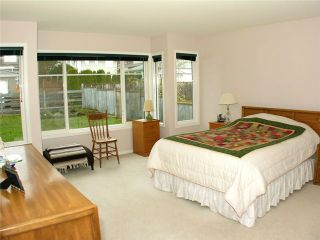Photo 10: 6345 GRANT ST in Burnaby: Parkcrest House for sale (Burnaby North)  : MLS®# V884471
