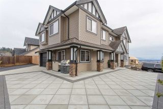 """Photo 2: 33780 KETTLEY Place in Mission: Mission BC House for sale in """"College Heights"""" : MLS®# R2245478"""
