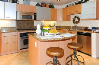 Photo 5: HILLCREST Condo for sale : 2 bedrooms : 4057 1st Ave #108 in San Diego