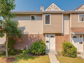 Photo 1: 1 3620 51 Street SW in Calgary: Glenbrook Row/Townhouse for sale : MLS®# C4198558