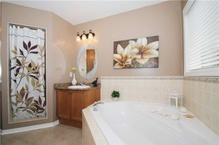 Photo 6: 88 Beachgrove Crest in Whitby: Taunton North House (2-Storey) for sale : MLS®# E3445699