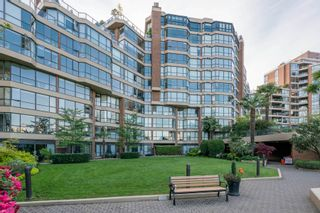 "Photo 3: 209 1470 PENNYFARTHING Drive in Vancouver: False Creek Condo for sale in ""HARBOUR COVE"" (Vancouver West)  : MLS®# R2268174"