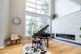 Photo 5: 2012 55 Avenue SW in Calgary: North Glenmore Park Detached for sale : MLS®# A1111162
