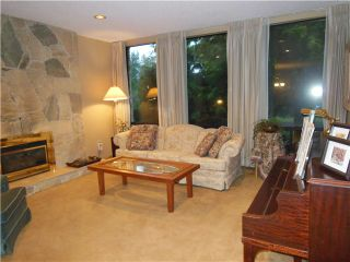 """Photo 3: 2173 KIRKSTONE Road in North Vancouver: Westlynn House for sale in """"WESTLYNN"""" : MLS®# V993548"""