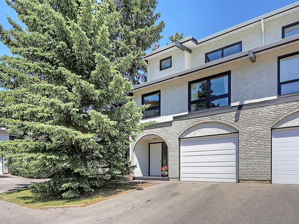Main Photo: 63 5400 DALHOUSIE Drive NW in Calgary: Dalhousie House for sale : MLS®# C4126924