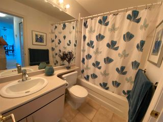 """Photo 13: 403 5855 COWRIE Street in Sechelt: Sechelt District Condo for sale in """"THE OSPREY"""" (Sunshine Coast)  : MLS®# R2581571"""