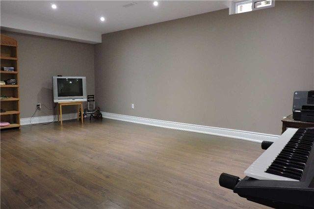 Photo 18: Photos: 329 Howard Crescent: Orangeville House (2-Storey) for sale : MLS®# W3903586