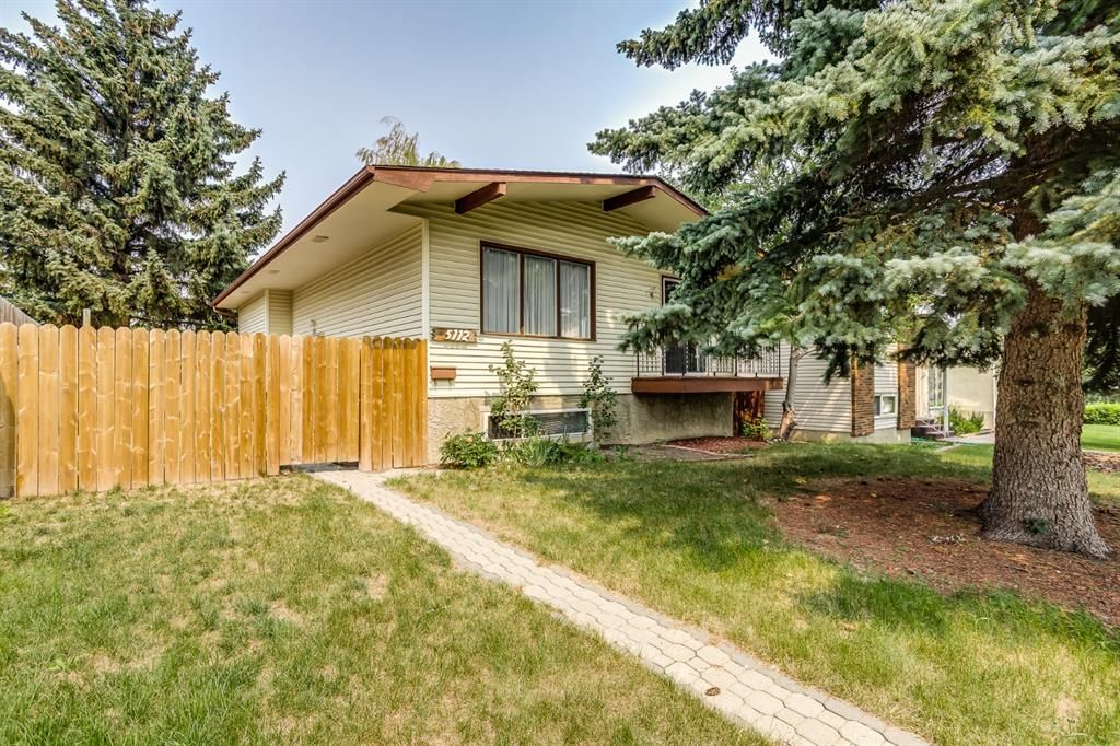 Main Photo: 5112 Whitehorn Drive NE in Calgary: Whitehorn Detached for sale : MLS®# A1135680