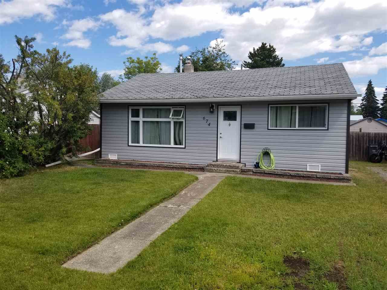 Main Photo: 674 EWERT STREET in : Central House for sale : MLS®# R2290486