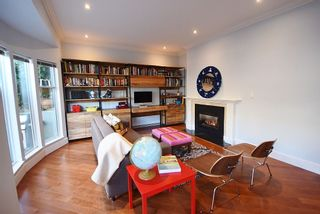 """Photo 3: 2669 W 10TH Avenue in Vancouver: Kitsilano Townhouse for sale in """"SIGNATURE COURT"""" (Vancouver West)  : MLS®# R2166556"""