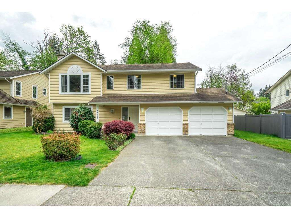 Main Photo: 34232 LARCH Street in Abbotsford: Abbotsford East House for sale : MLS®# R2574039