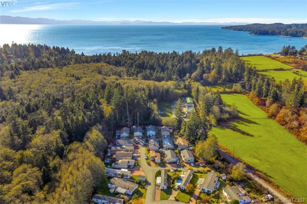 Main Photo: 40 7109 West Coast Rd in SOOKE: Sk Whiffin Spit Manufactured Home for sale (Sooke)  : MLS®# 827915