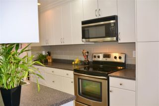 """Photo 7: PH2 2320 W 40TH Avenue in Vancouver: Kerrisdale Condo for sale in """"MANOR GARDENS"""" (Vancouver West)  : MLS®# R2434929"""