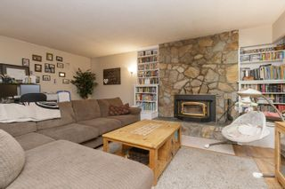 Photo 4: 1050A McTavish Rd in North Saanich: NS Ardmore House for sale : MLS®# 887726