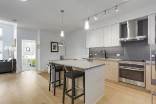 """Photo 5: 401 3205 MOUNTAIN Highway in North Vancouver: Lynn Valley Condo for sale in """"Mill House"""" : MLS®# R2296697"""