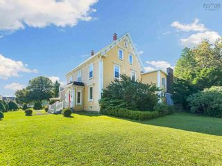 Photo 5: 610 Main Street in Mahone Bay: 405-Lunenburg County Residential for sale (South Shore)  : MLS®# 202121245