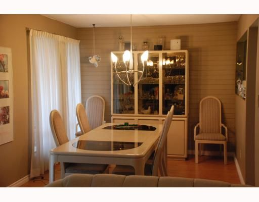 """Photo 5: Photos: 3267 SAMUELS Court in Coquitlam: New Horizons House for sale in """"NEW HORIZONS"""" : MLS®# V796976"""