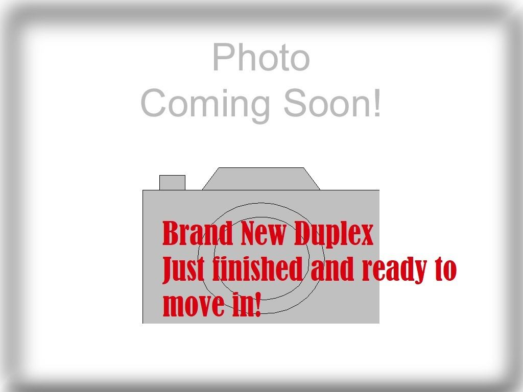 Main Photo: 5137 INMAN Avenue in Burnaby: Central Park BS 1/2 Duplex for sale (Burnaby South)  : MLS®# R2505478