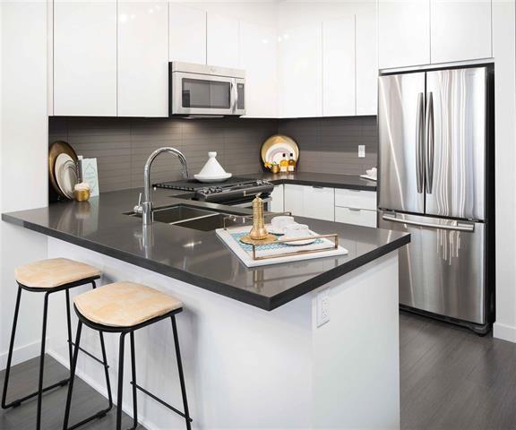 Main Photo: 408 15138 34 Avenue in South Surrey: Morgan Creek Condo for sale (South Surrey White Rock)  : MLS®# R2128842