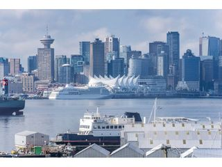 """Photo 20: 305 306 W 1ST Street in North Vancouver: Lower Lonsdale Condo for sale in """"LA VIVA PLACE"""" : MLS®# R2097967"""