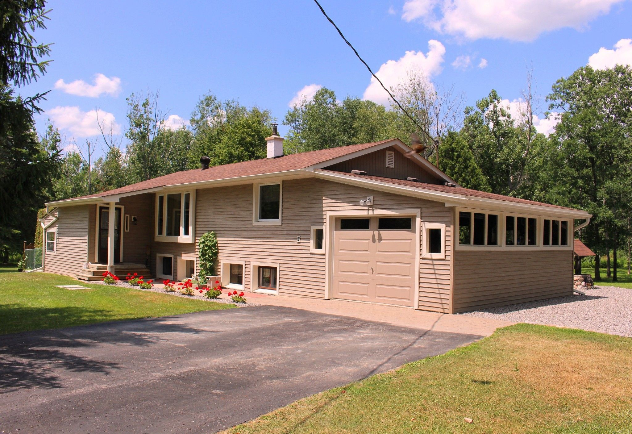 Main Photo: 20 Pine Court in Northumberland/ Trent Hills/Warkworth: House for sale : MLS®# 140196