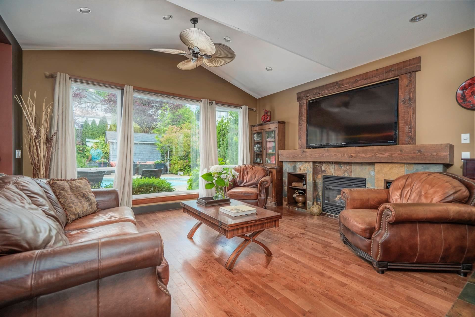 """Photo 3: Photos: 1662 KNAPPEN Street in Port Coquitlam: Lower Mary Hill House for sale in """"Knappen Gardens"""" : MLS®# R2593877"""