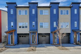 Photo 2: 404 2461 Baysprings Link SW: Airdrie Row/Townhouse for sale : MLS®# A1085181