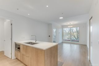 "Photo 12: 304 379 E BROADWAY Street in Vancouver: Mount Pleasant VE Condo for sale in ""Synchro"" (Vancouver East)  : MLS®# R2565005"