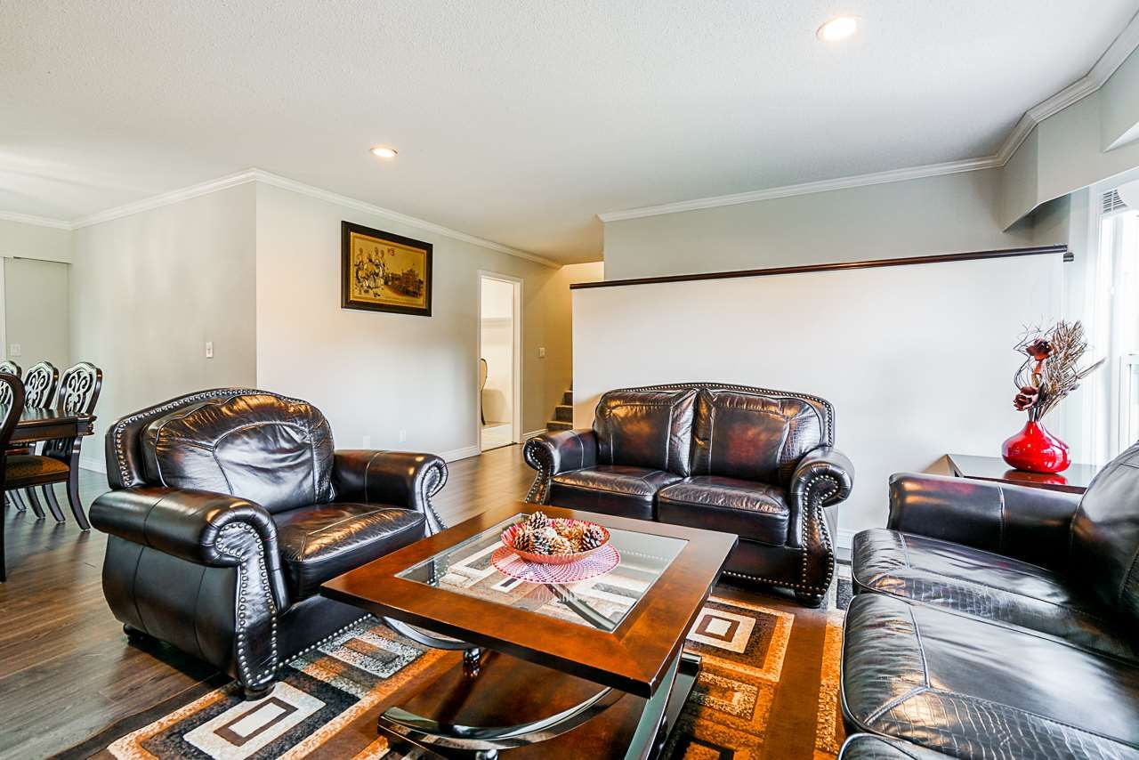 Photo 4: Photos: 12860 CARLUKE Crescent in Surrey: Queen Mary Park Surrey House for sale : MLS®# R2516199