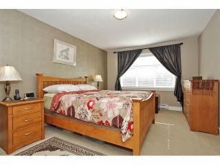 """Photo 13: 2 15454 32ND Avenue in Surrey: Grandview Surrey Townhouse for sale in """"Nuvo"""" (South Surrey White Rock)  : MLS®# F1324116"""