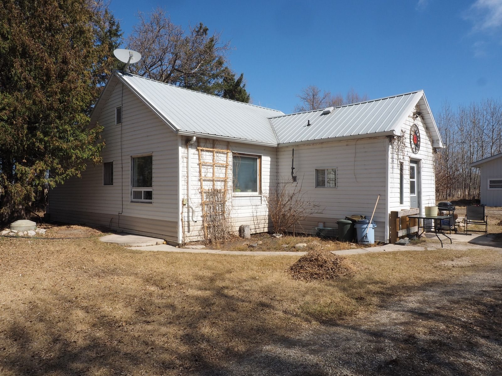 Main Photo: 69065 PR 430 in Oakville: House for sale : MLS®# 202107903