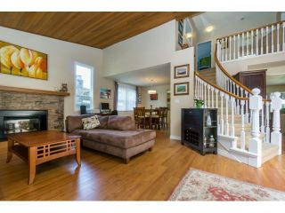 """Photo 4: 12597 20TH Avenue in Surrey: Crescent Bch Ocean Pk. House for sale in """"Ocean Park"""" (South Surrey White Rock)  : MLS®# F1442862"""