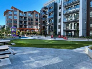 """Photo 3: 402B 20838 78B Avenue in Langley: Willoughby Heights Condo for sale in """"Hudson & Singer"""" : MLS®# R2594495"""