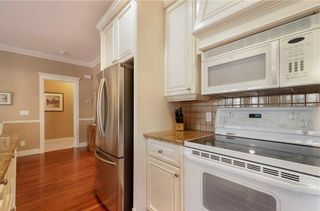 Photo 14: 356 SIGNATURE Court SW in Calgary: Signal Hill Semi Detached for sale : MLS®# C4220141