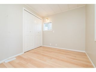 """Photo 16: 20 24330 FRASER Highway in Langley: Otter District Manufactured Home for sale in """"Langley Grove Estates"""" : MLS®# R2497315"""