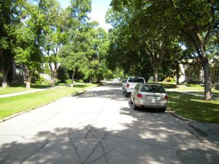 Photo 11: 913 Riverwood Avenue in WINNIPEG: Fort Garry / Whyte Ridge / St Norbert Residential for sale (South Winnipeg)  : MLS®# 1316895