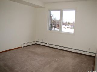 Photo 8: 208 318 108th Street in Saskatoon: Sutherland Residential for sale : MLS®# SK837333