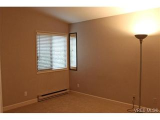 Photo 6: 206 2341 Harbour Rd in SIDNEY: Si Sidney North-East Row/Townhouse for sale (Sidney)  : MLS®# 690395