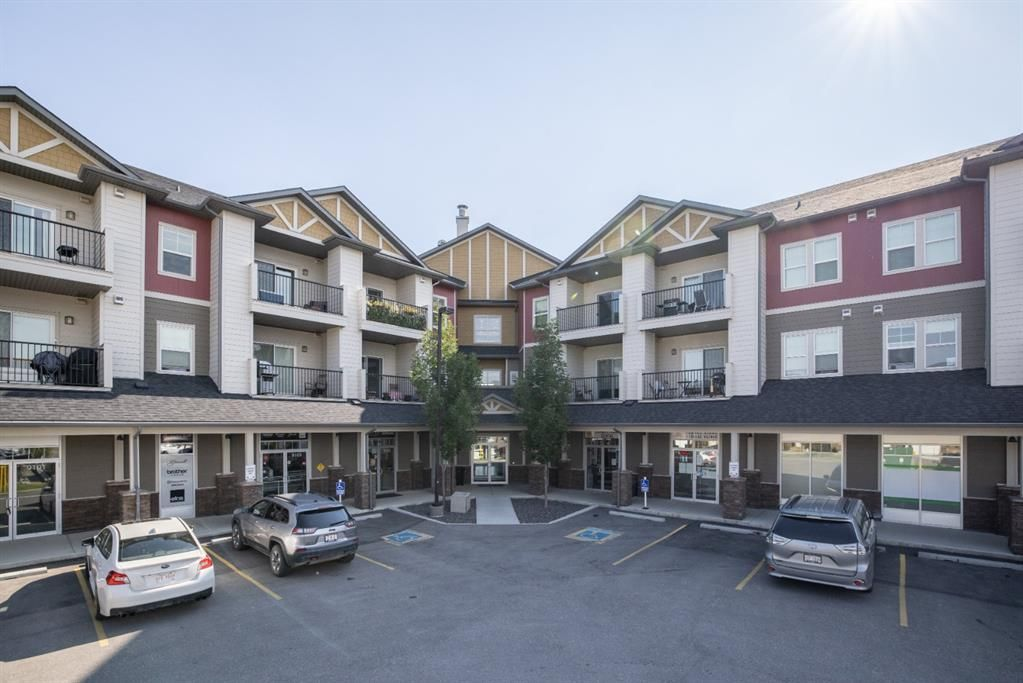 Main Photo: 9308 101 Sunset Drive: Cochrane Apartment for sale : MLS®# A1141889