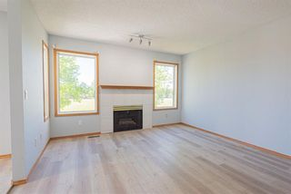 Photo 4: 35 Rundlelawn Park NE in Calgary: Rundle Semi Detached for sale : MLS®# A1154037