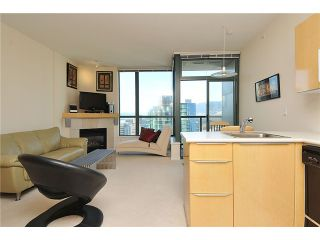 """Photo 8: 2406 1239 W GEORGIA Street in Vancouver: Coal Harbour Condo for sale in """"VENUS"""" (Vancouver West)  : MLS®# V929184"""