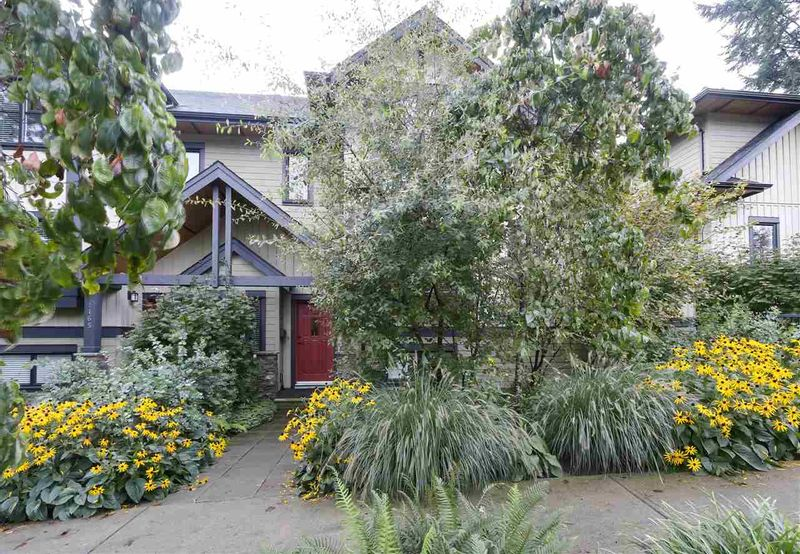 FEATURED LISTING: 1163 HAROLD Road North Vancouver
