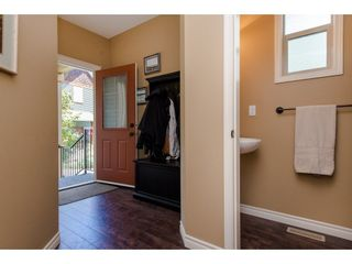 """Photo 2: 8 36169 LOWER SUMAS MTN Road in Abbotsford: Abbotsford East Townhouse for sale in """"Junction Creek"""" : MLS®# R2283767"""