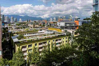 """Photo 4: 910 1708 COLUMBIA Street in Vancouver: False Creek Condo for sale in """"WALL CENTRE FALSE CREEK"""" (Vancouver West)  : MLS®# R2388986"""